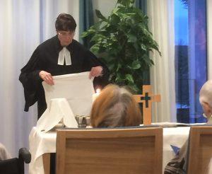 Pfarrerin Felicitas Schulz-Hoffmann Abendmahlsvorbereitung